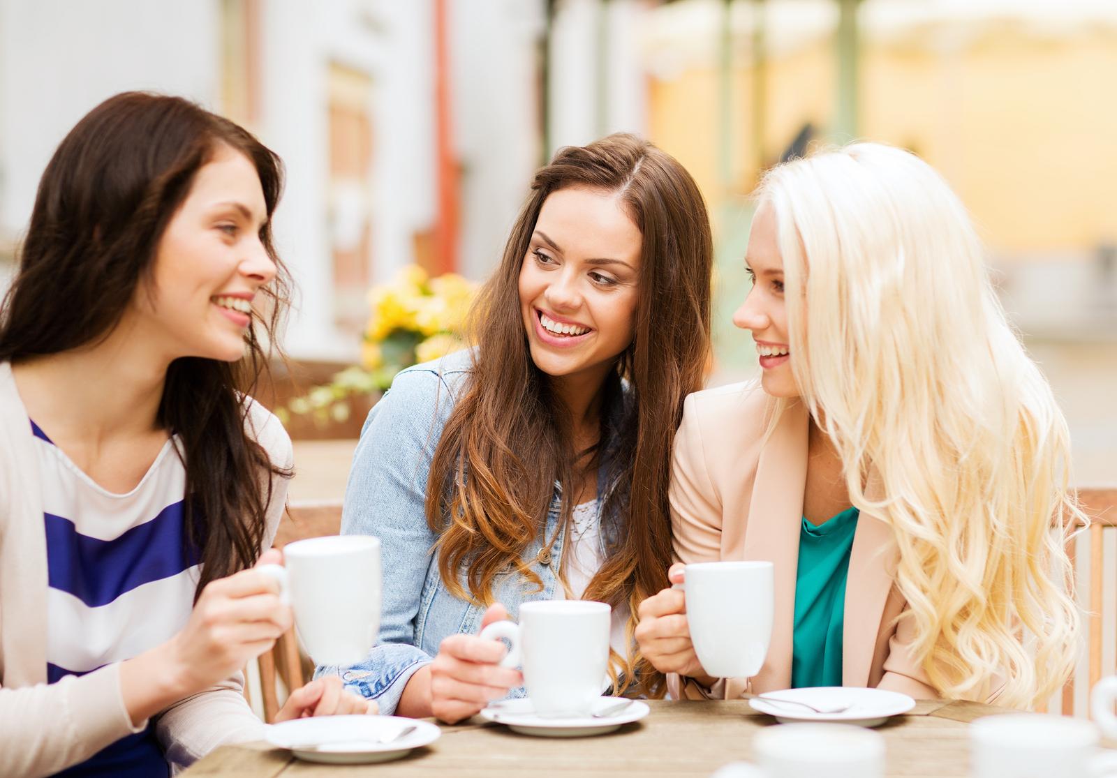 Картинка встреча подруги