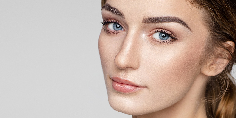 Дугообразные брови: как сделать форму и кому она рекомендуется Фото