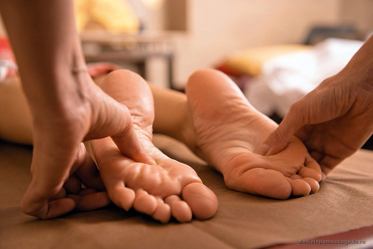 Массаж ступней для девушки эротический массаж для женщин самому