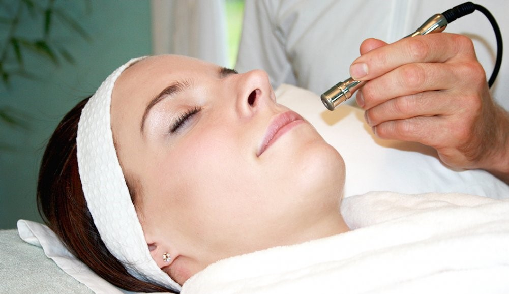 Лазерная чистка лица и эффективность процедуры