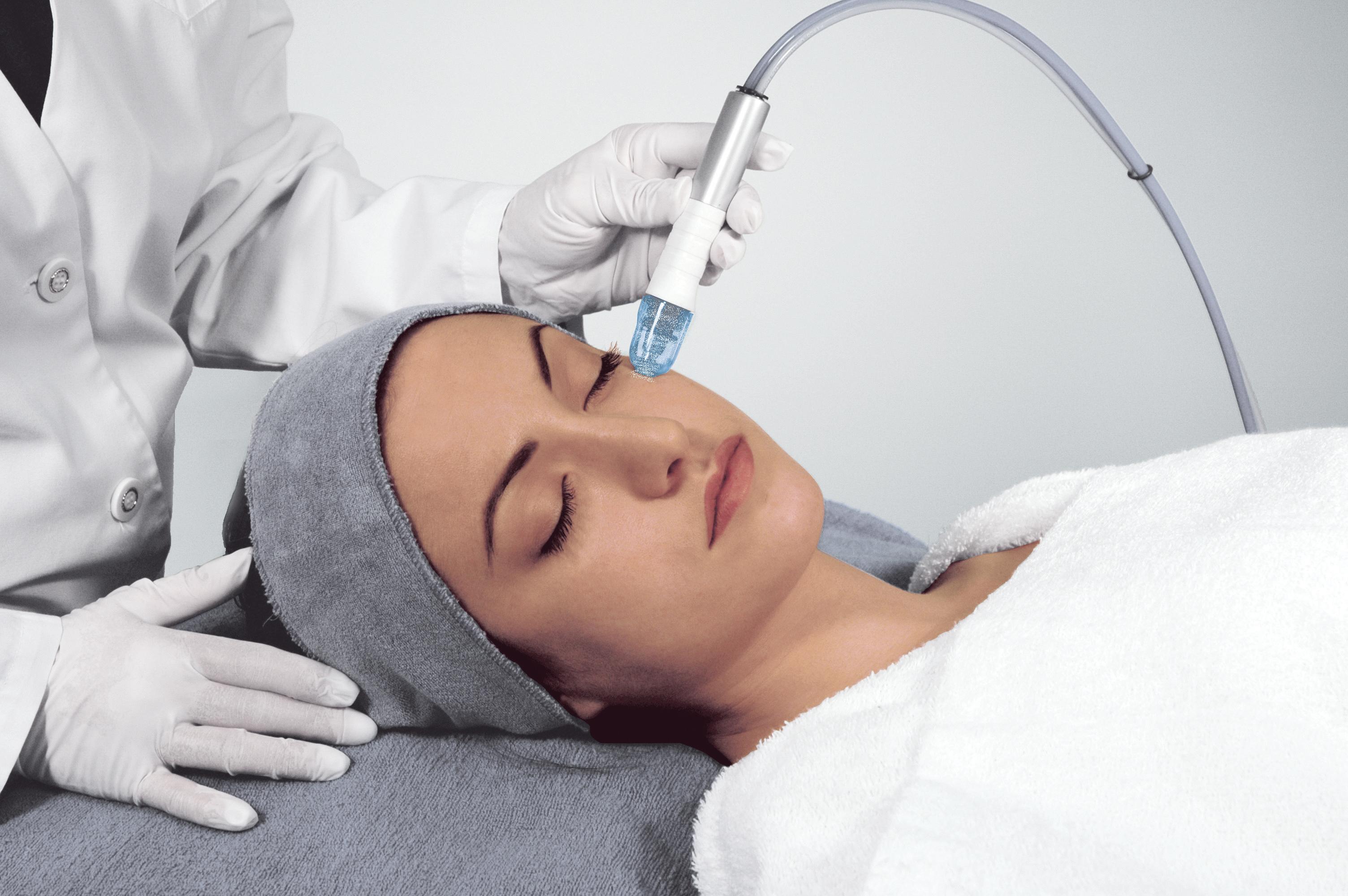 Вакуумная чистка лица (кожи, пор): аппарат в салоне, противопоказания, результат до и после