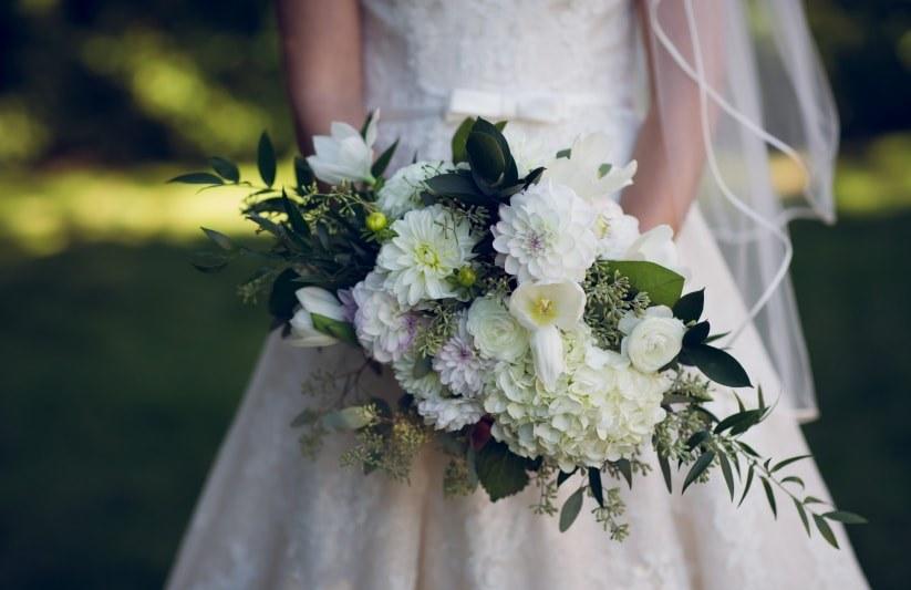 Букет для подружек невесты из хризантем