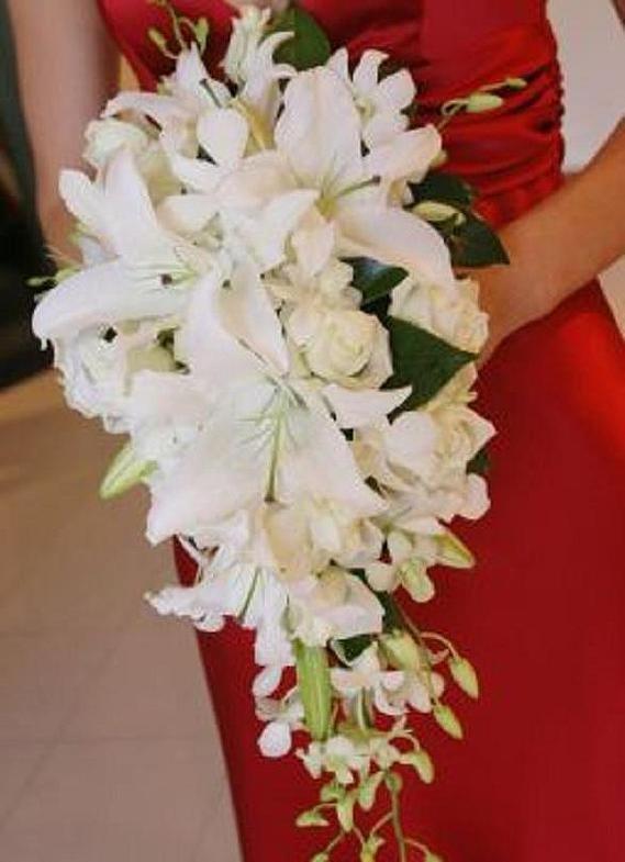 Спутниц свадебный букет с лилии каскадом фото базы цветов