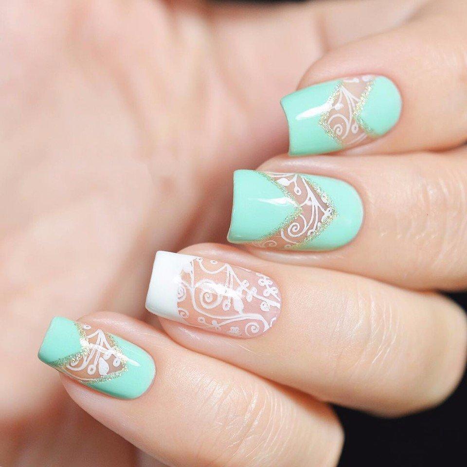 Дизайн ногтей в мятном и розовом цвете