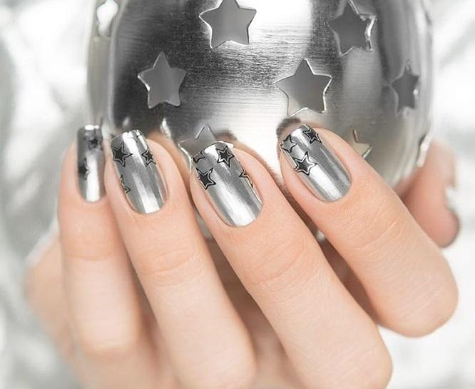 Серебристый маникюр (66 фото): дизайн ногтей с лаком под серебро с сиреневым цветом, делаем бело-серебряный маникюр с блестками