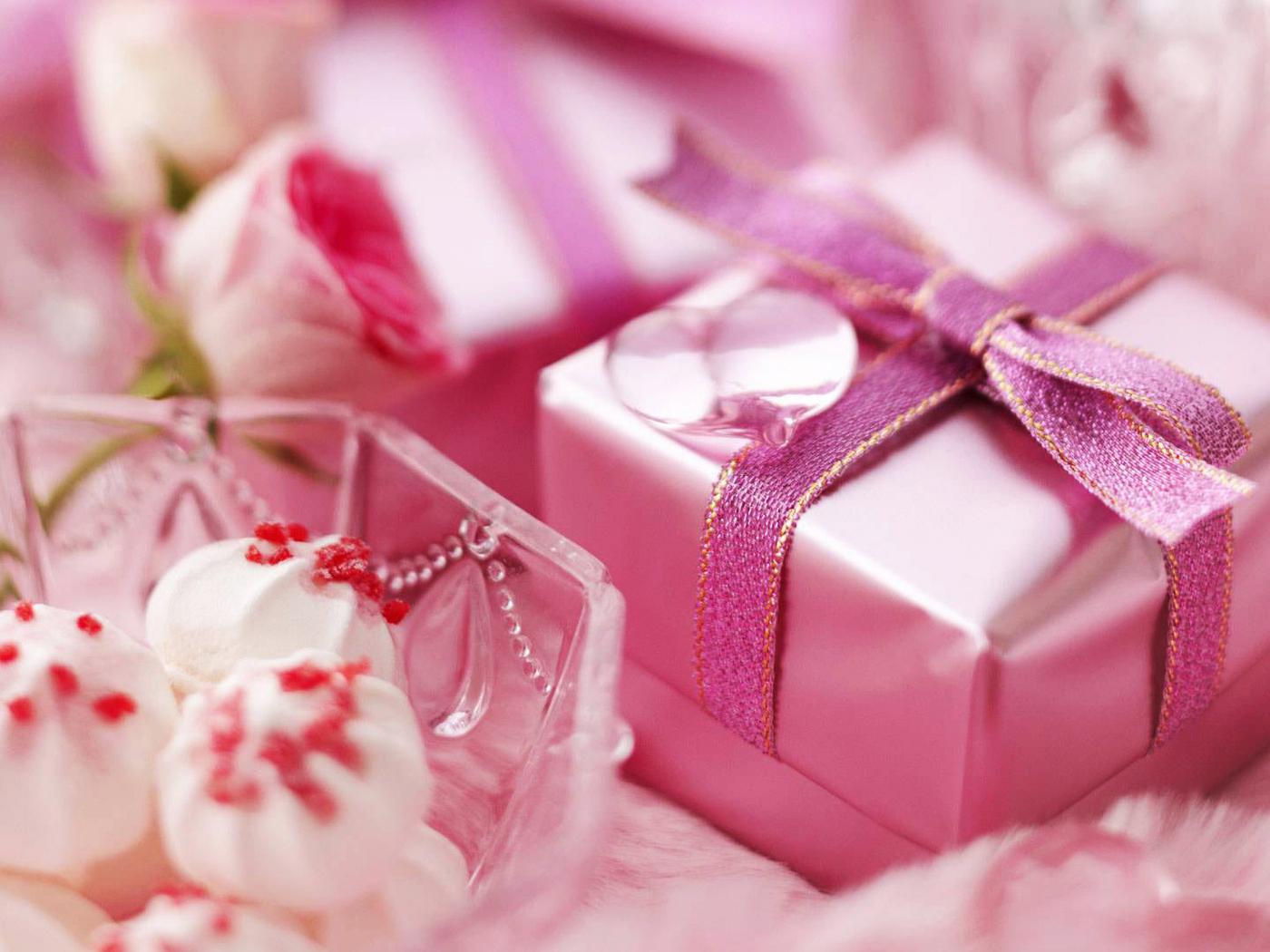 подарками подаррки с поздравлениями для