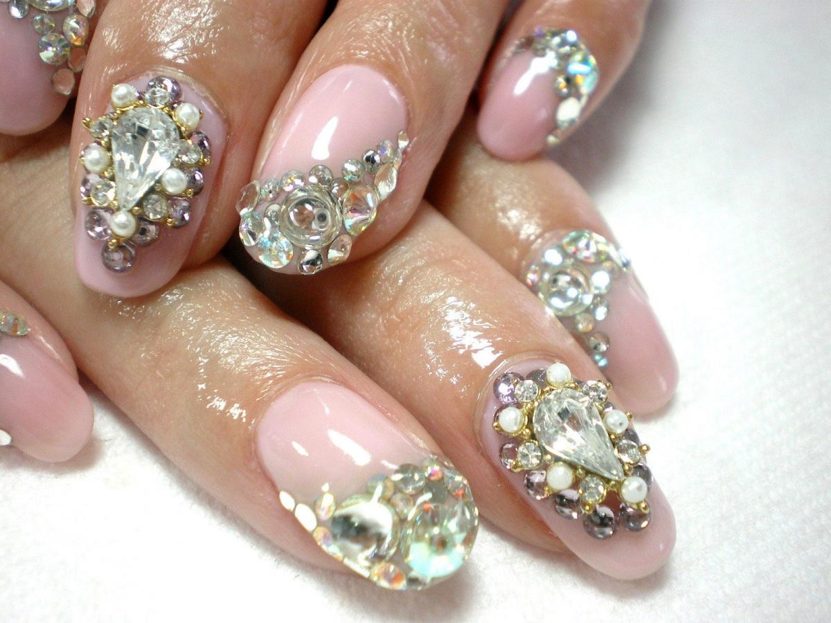 камни в картинках дизайн ногтей использует
