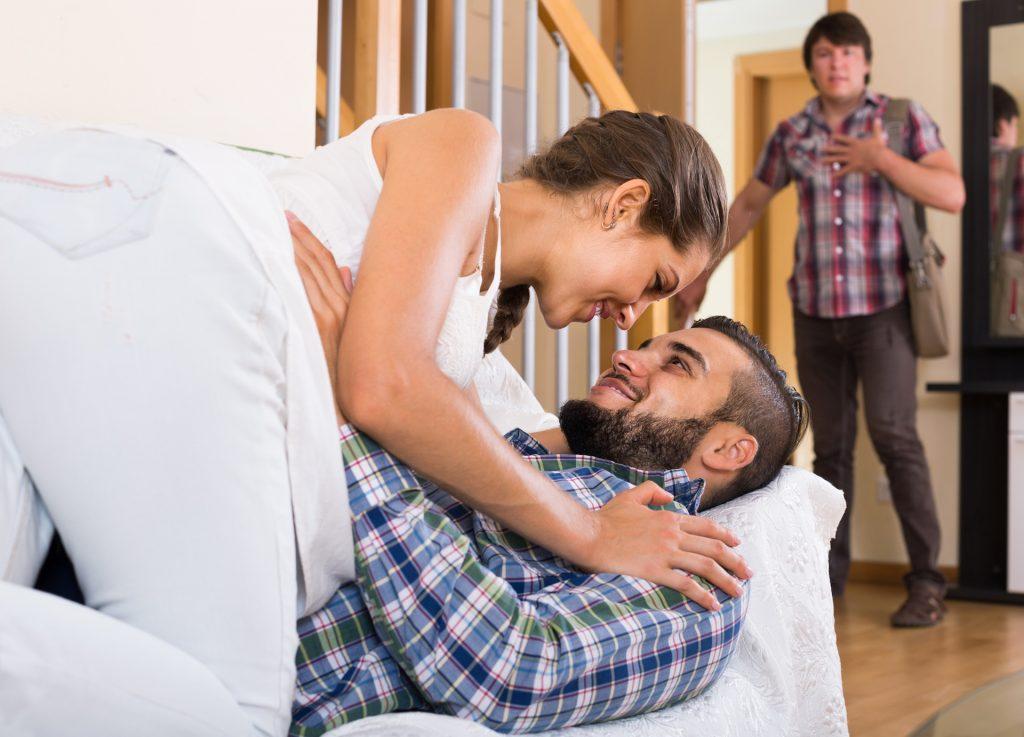 Муж с женой домашняя съемка сказка
