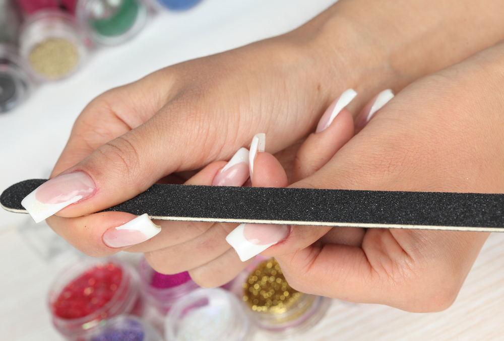 Можно ли беременным делать наращивание ногтей гелем