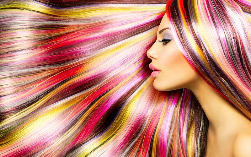 Цветное мелирование на темные и светлые волосы