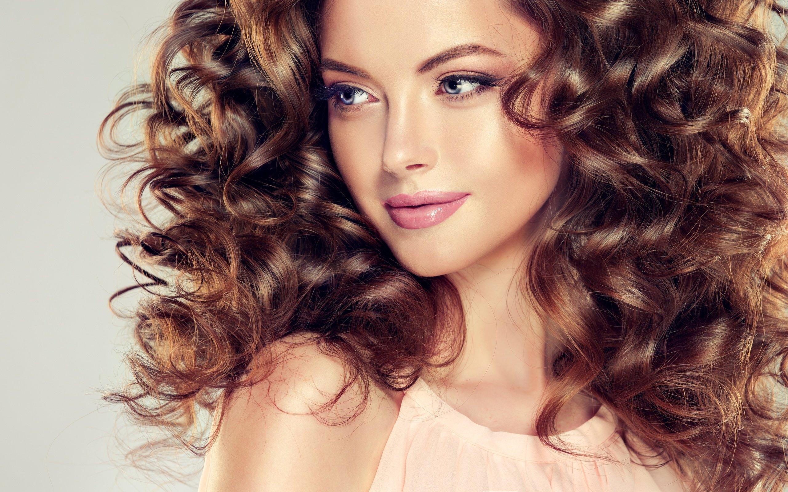 Спиральная химия на средние волосы