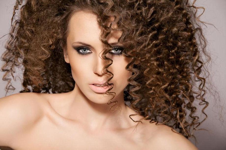 Химия на длинные волосы (61 фото): как сделать мелкую химическую завивку тонких волос? Виды химии и способы выполнения