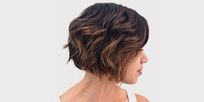 shatush-na-temnoe-kare-6 Шатуш на короткие волосы: окрашивание шатуш на каре с удлинением, боб каре, каре с челкой, техника окрашивания, фото и видео