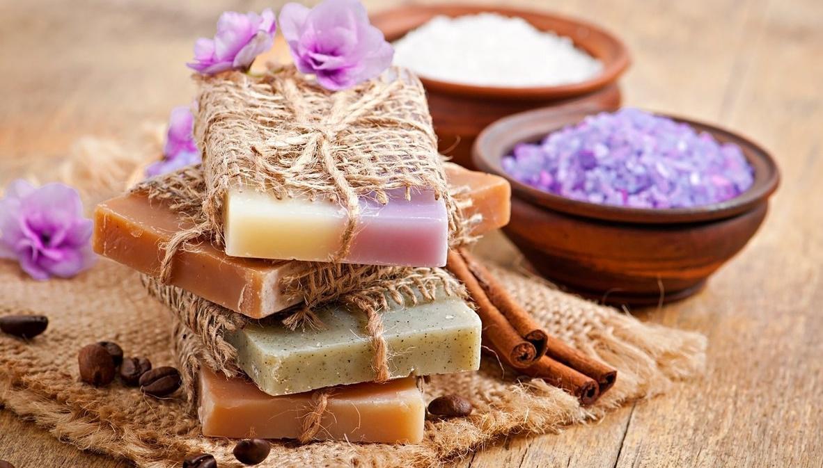 Мыло из обмылков своими руками в домашних условиях (45 фото): как сделать жидкое мыло? Простой способ сварить дома целый кусок из остатков мыла