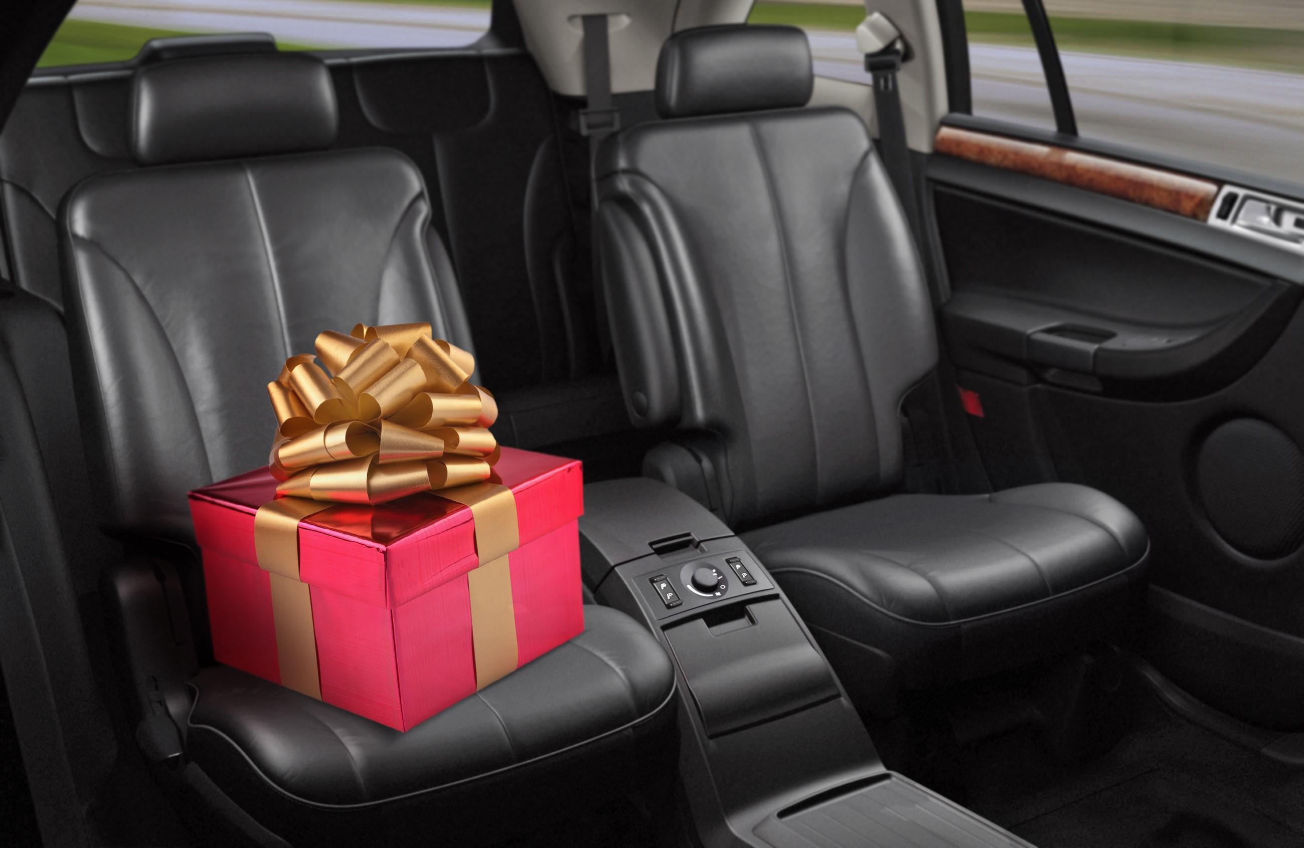Что подарить автолюбителю на день рождения. Топ 20 идей  Фото