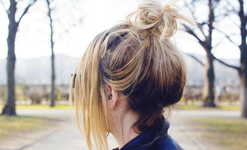 Пучок на короткие волосы (43 фото): как сделать своими руками прическу пошагово? Красивые примеры пучка
