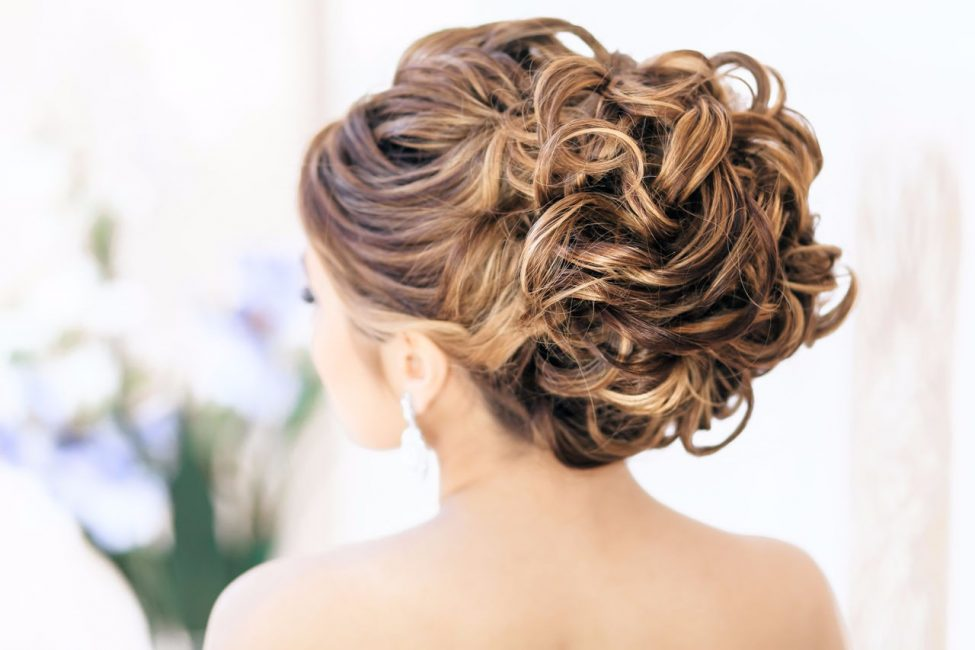 Собранные прически на средние волосы (48 фото): вечерние укладки с волосами собранными вверх или сзади. Красивые легкие полусобранные прически