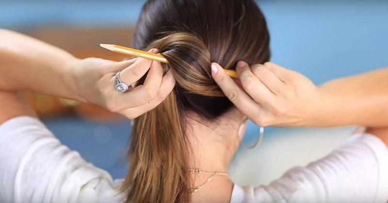 Прическа на карандаше - как делать пучки, косы с помощью карандаша