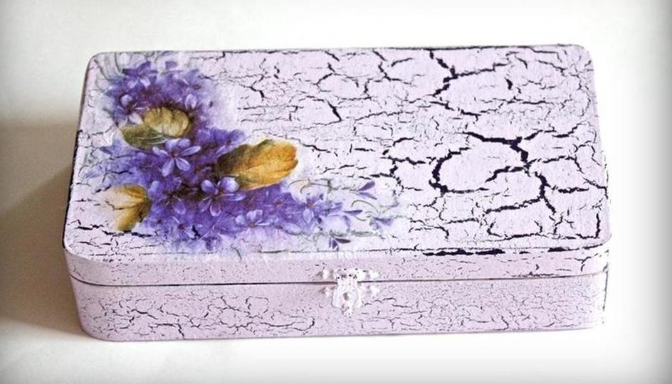 Кракелюр в декупаже (20 фото): как пользоваться кракелюрным лаком? Особенности и пошаговая техника нанесения декоративной штукатурки для начинающих