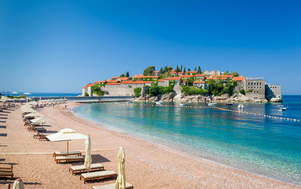 Курорты Черногории на море Самые популярные места с песчаными пляжами для отдыха с детьми Карта названия цены и отзывы