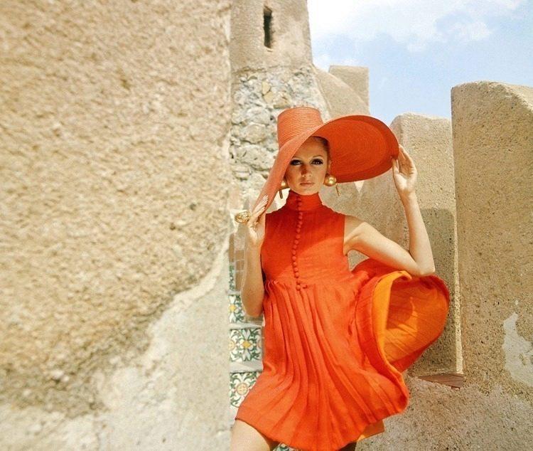 Оранжевое Платье Во Сне