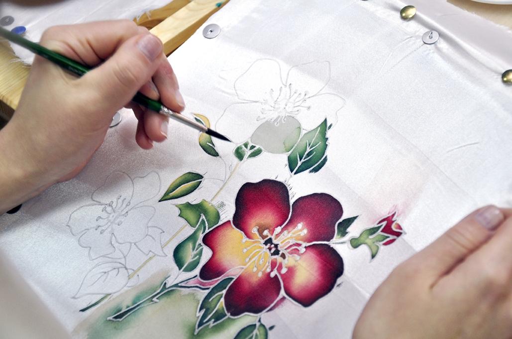 batik-chto-eto-takoe-istoriya-i-vidy-rospisi-po-tkani Батик: роспись по ткани для начинающих и мастер класс с фото