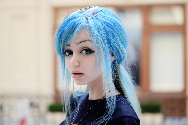 Голубые кончики на русых волосах