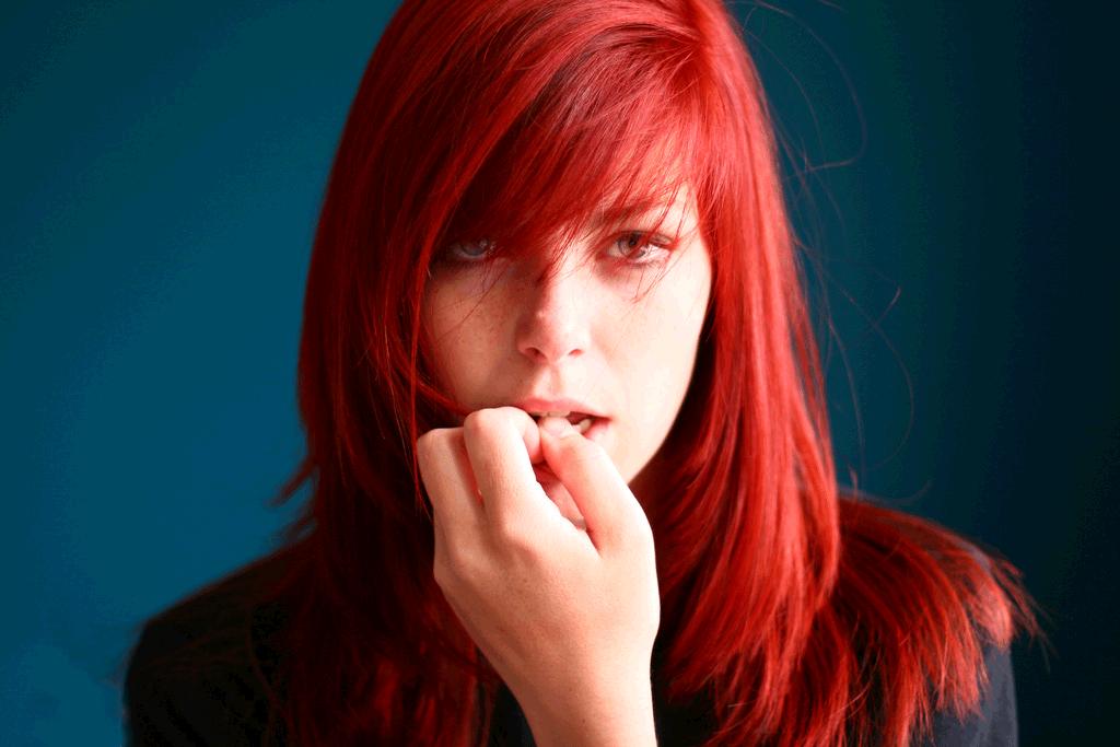 люди с красным цветом волос фото вкус