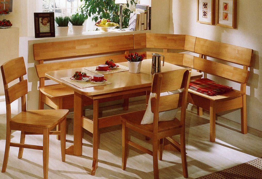 Кухонный уголок из натурального дерева фото