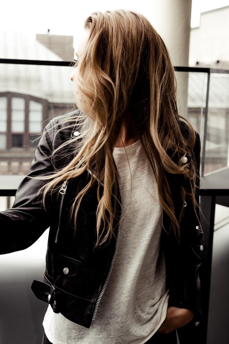 Фото русоволосых девушек фото сзади