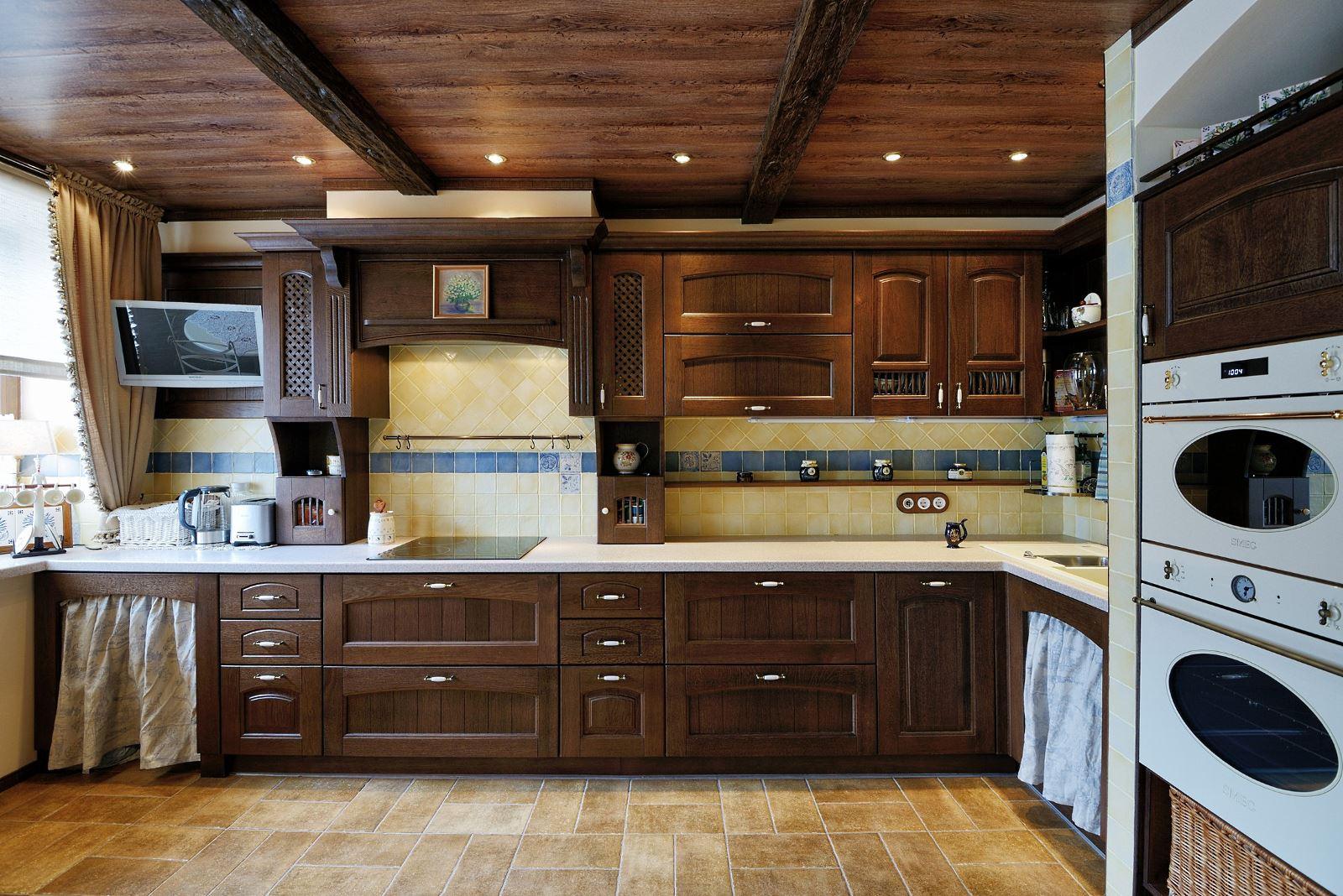 кухни в деревянном доме массив фото лор-органов