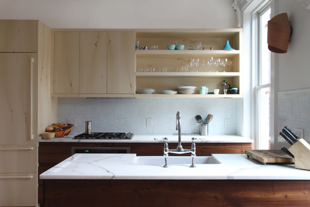 кухня с открытыми шкафами фото повреждение слизистой