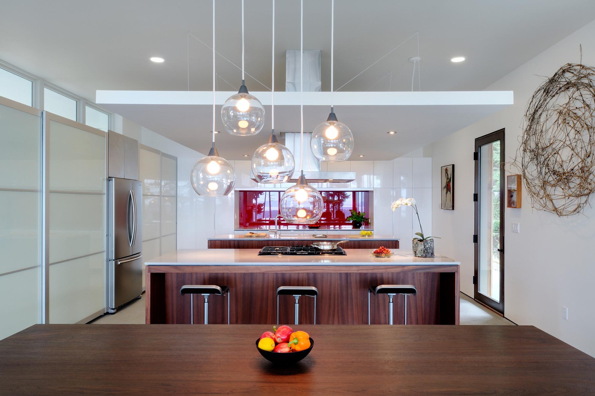 Навесной потолок на кухне с люстрой картинки