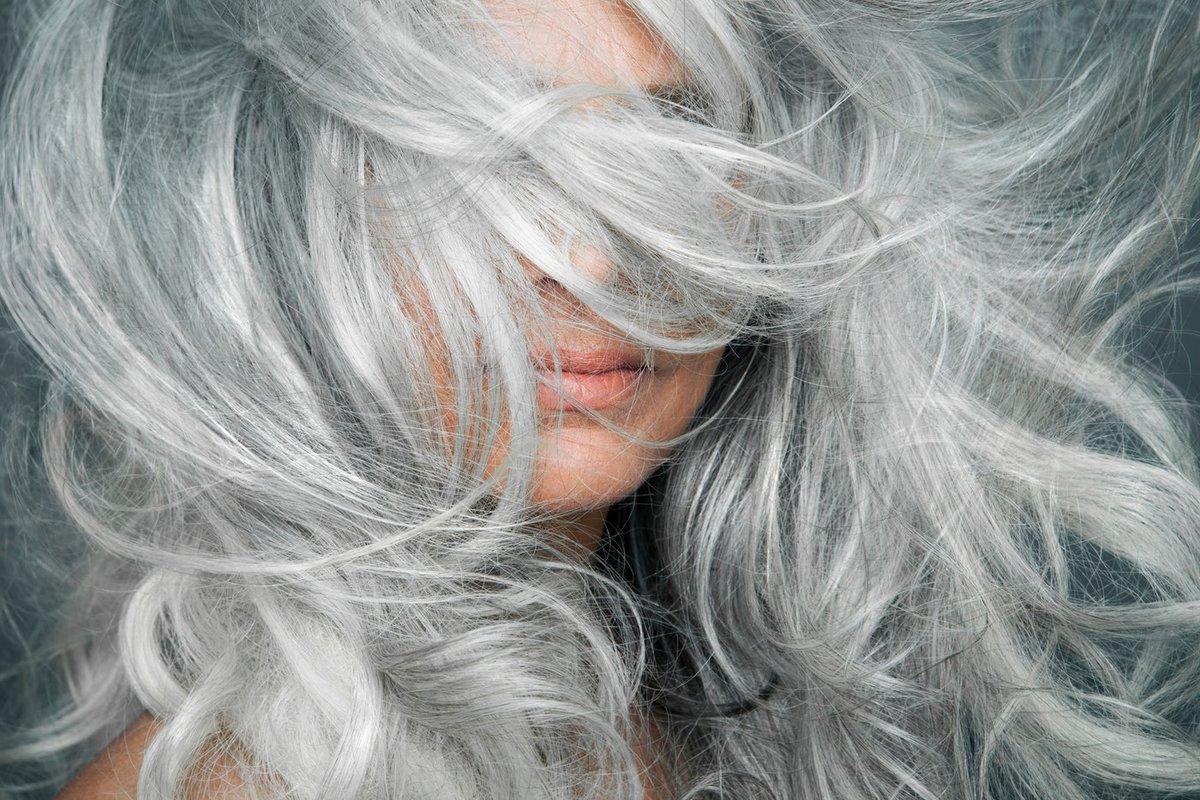 Серо синие волосы