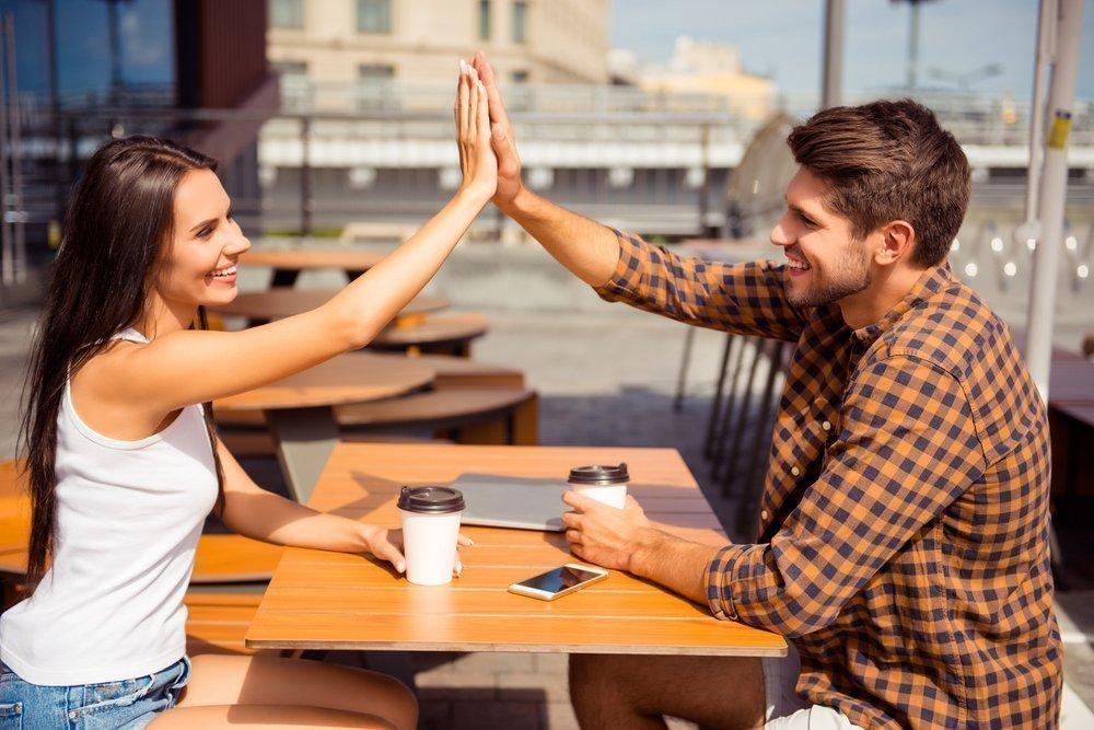 медленно играют мужчина с женщинами видео немедленно отправляется