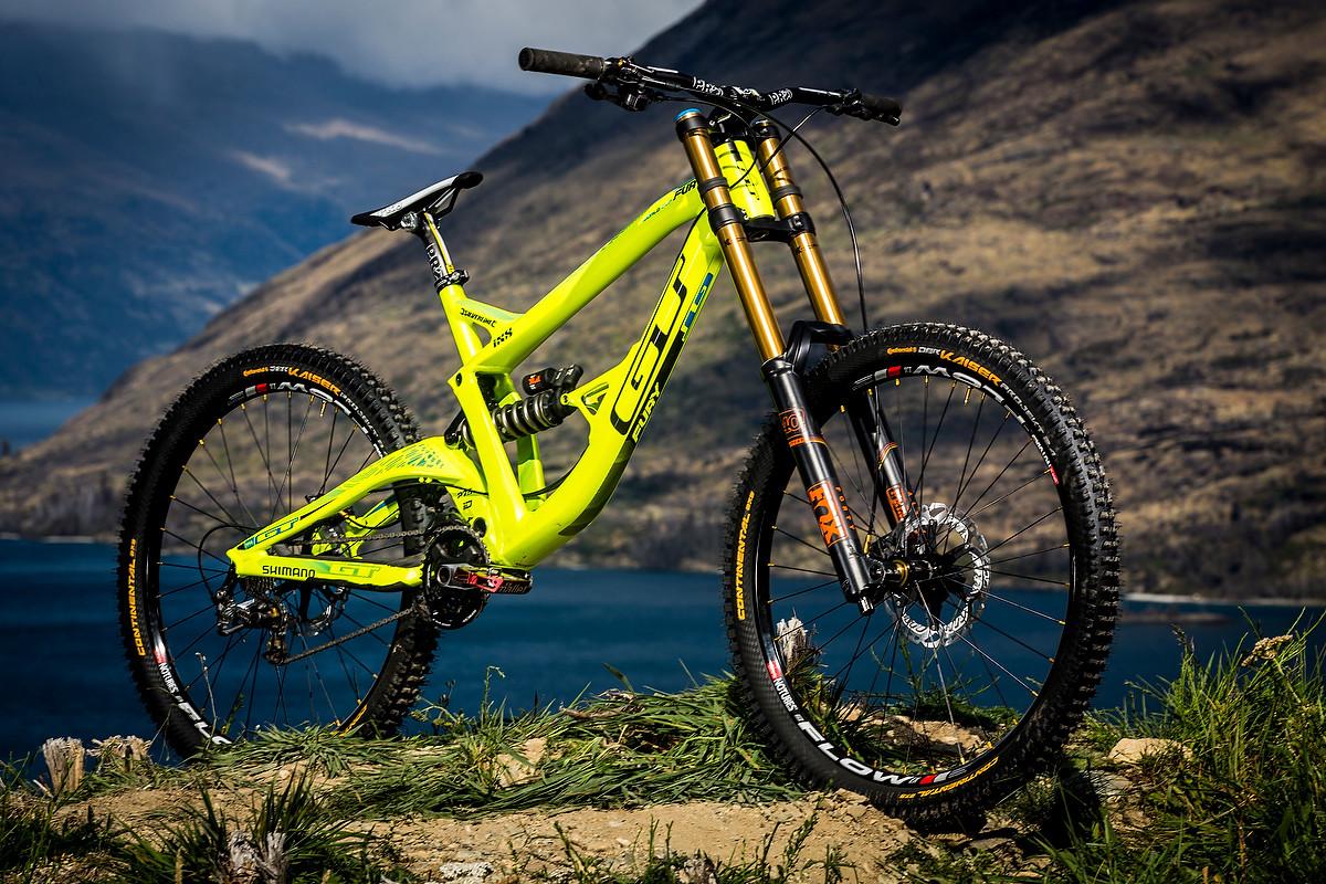 Топ-10 горных велосипедов: рейтинг самых лучших производителей