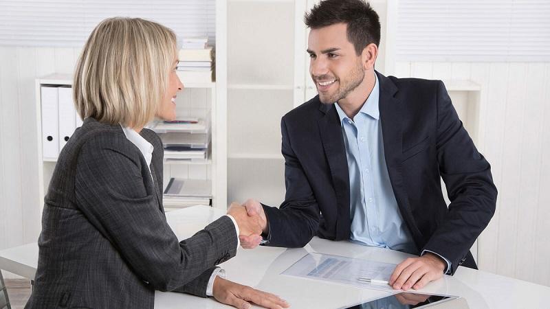 Старший менеджер по работе с клиентами