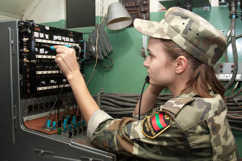 работа девушкам в военной сфере