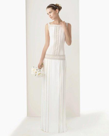 Платье свадебное в строгом стиле