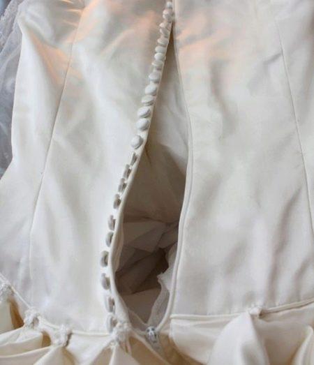 Потайная молния в свадебном корсете