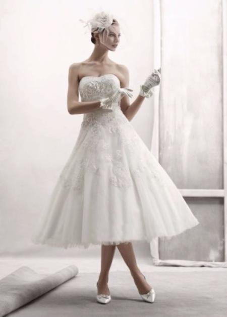 Короткое свадебное платье А-силуета