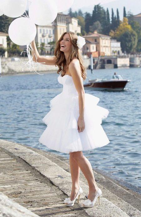 Короткое свадебное платье для торжества на природе