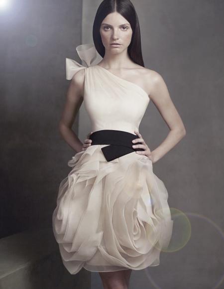 Короткое свадебное платье Verа Wang