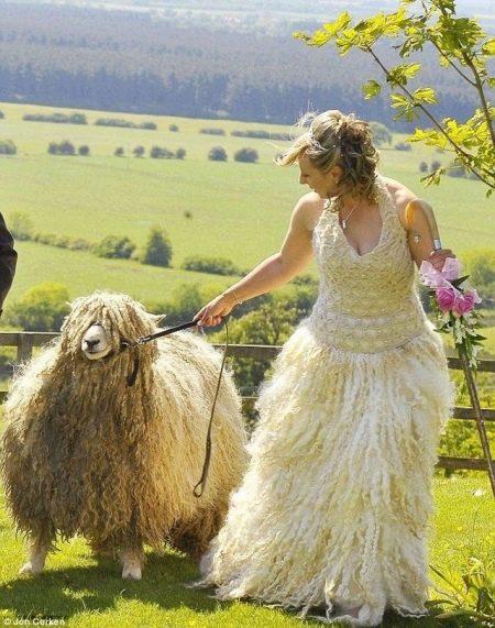 Свадебное платье из шерсти