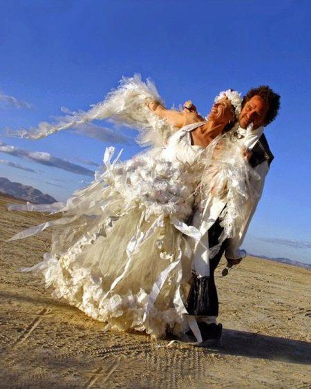 Свадебное платье из полиэтилена
