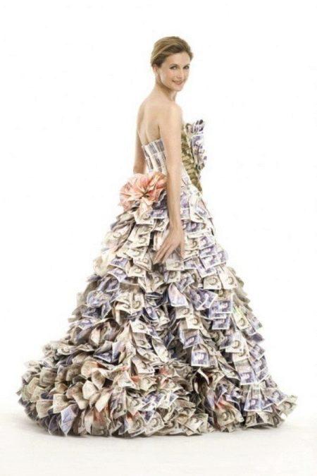 Свадебное платье из денег