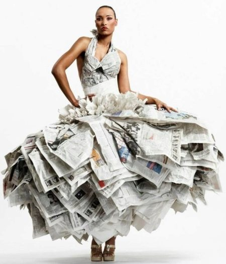 Свадебное платье из газеты