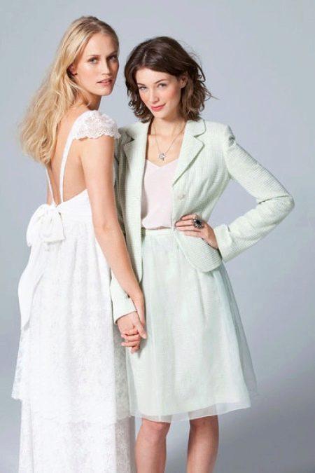Свадебное платье с открытой спиной со спины