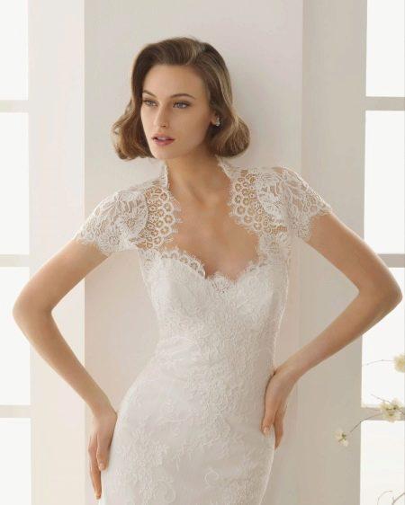 Вырез сердечко с фестонами на свадебном платье