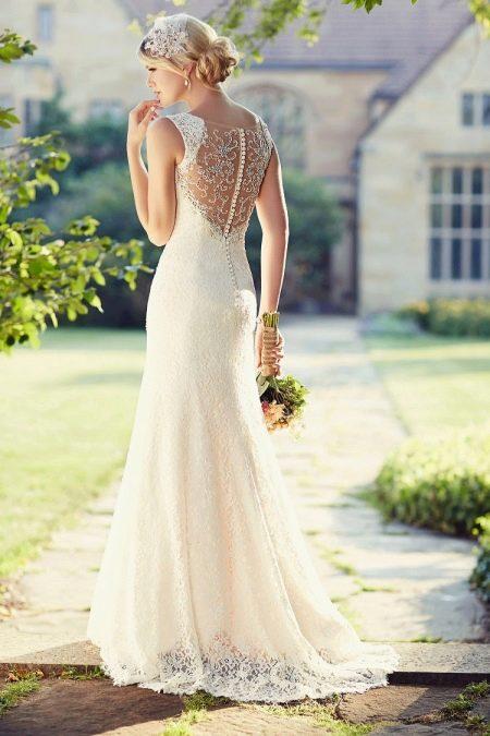 Свадебное платье длинной с открытой спиной